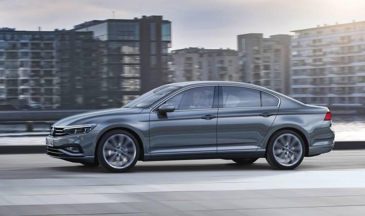 Volkswagen Passat 2019 Gris Exterior 06