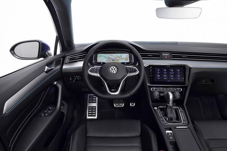 Volkswagen Passat 2019 Interior 04