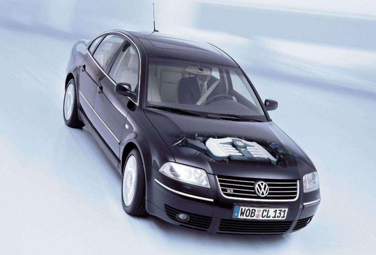 Volkswagen Passat Motor W8 2001 1021 035