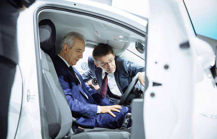 volkswagen-recorta-30000-empleos-03