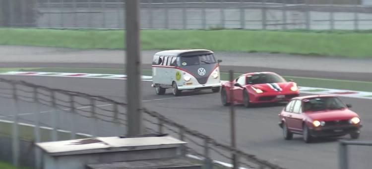 volkswagen-t1-race-taxi-nurburgring-video