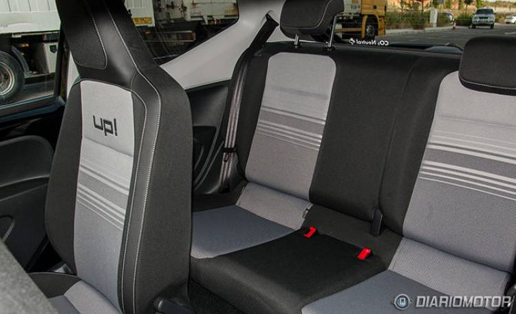 Volkswagen Black up!