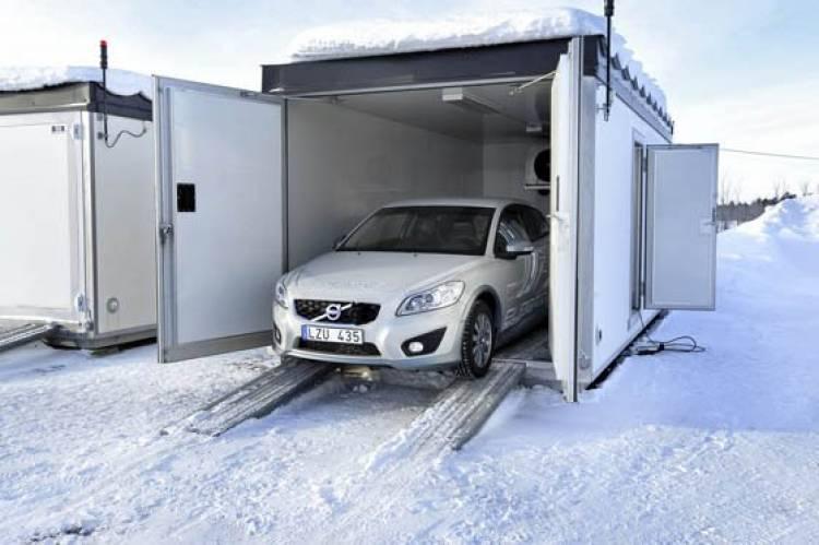Volvo C30 eléctrico en la nieve