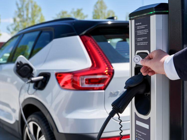 Volvo On Call Ahorrar Gasolina Electricidad 06