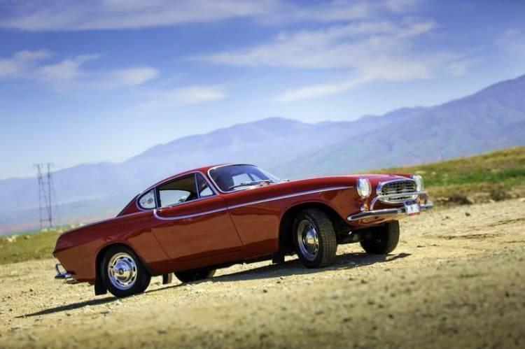 Tres millones de razones para creer: Irv Gordon se acerca a los 3 millones de millas en su Volvo P1800
