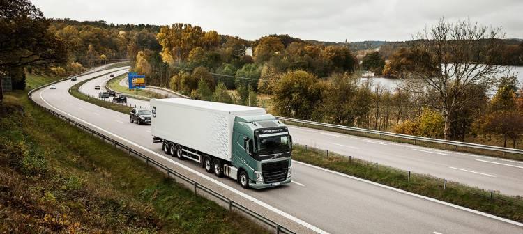 volvo-trucks-coche-conectado-averias-01-1440px