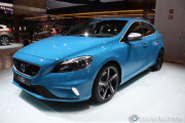 Volvo pone precio al V40 R-Design y al Cross Country