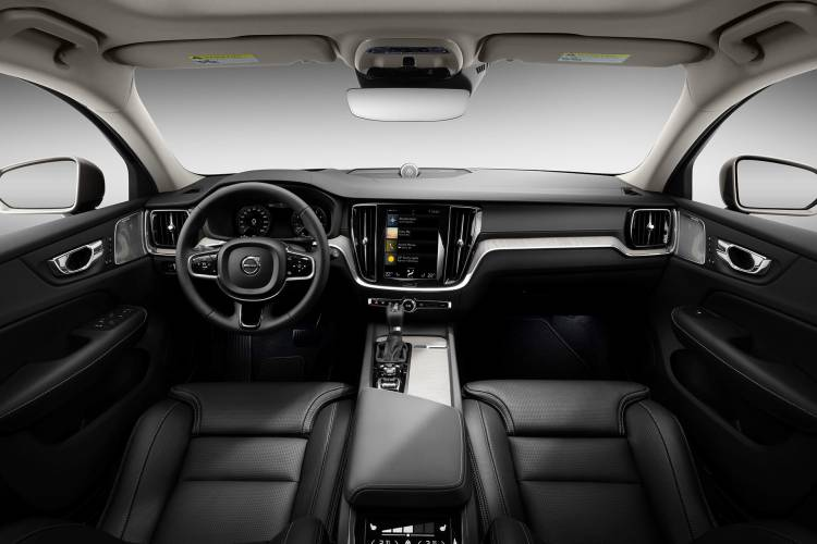Volvo V60 Cross Country 2019 04