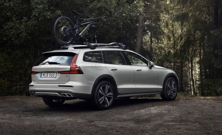 Volvo V60 Cross Country 2019 22