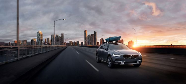 Volvo V90 Cross Country Kayak