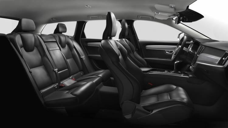 Volvo V90 Momentum 3