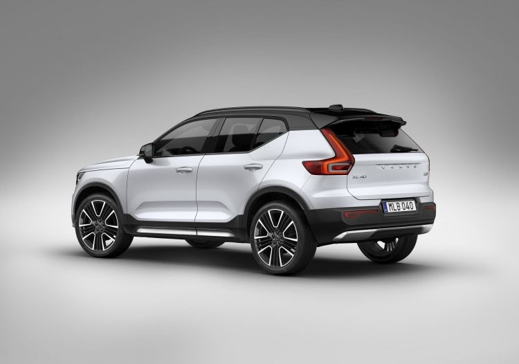 Xc40 Recharge, In Crystal White Pearl