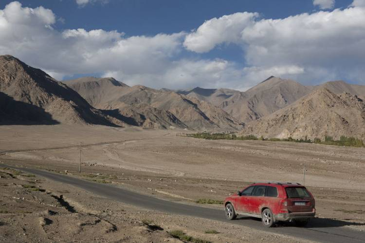 Volvo XC90 R-Design en Bollywood