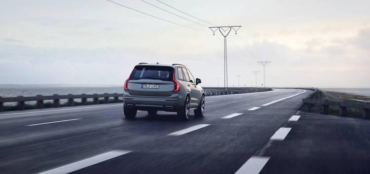 Volvo Xc90 Velocidad Limitada 180 02