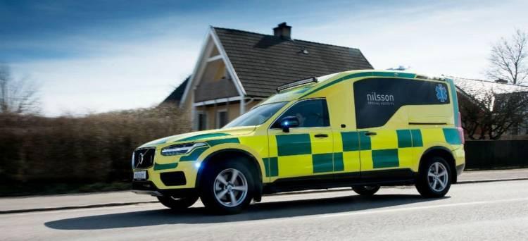 volvo_xc90_ambulancia_p