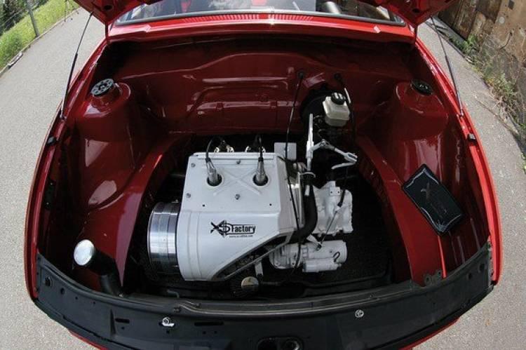 El Volkswagen Golf más lento del mundo lleva motor Trabant