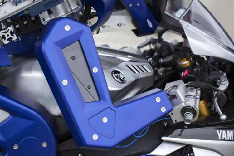 yamaha-motobot-v12016-3