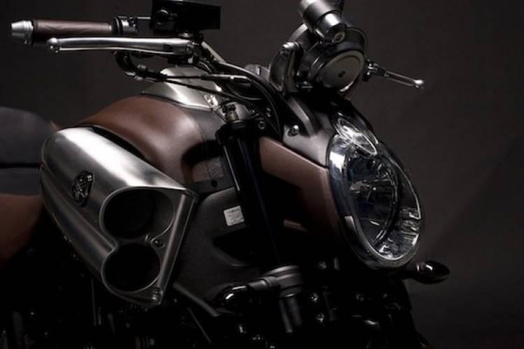 Yamaha VMax por Hermès