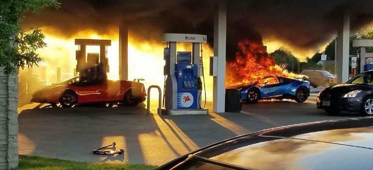 Lamborghini Destruido Gasolinera Video