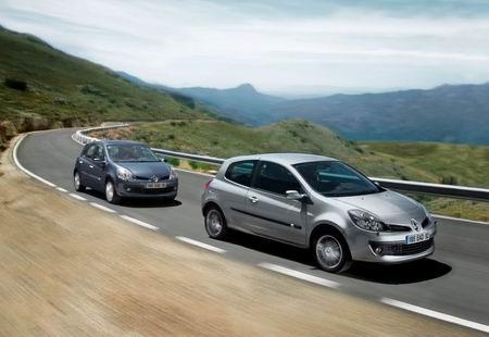 Renault Clio con motor 2.0 de 140 Cv