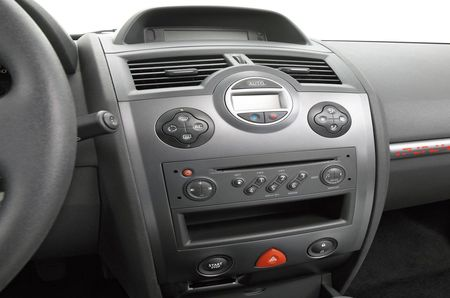 2011 Renault Megane 3 Interior Preview And Specification