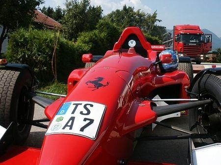 Convierte su monoplaza de carreras en un coche legal para la carretera