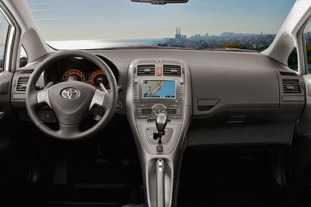 Últimas imagenes y datos del Toyota Auris 2007