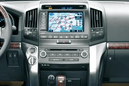 Detalles del interior y precios del Toyota Land Cruiser 2008