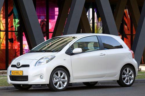 Un Toyota Yaris híbrido para 2011