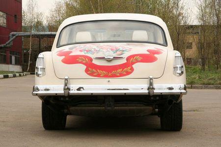 Volga GAZ-21 sobre la base de un Porsche Cayenne, tuning soviético