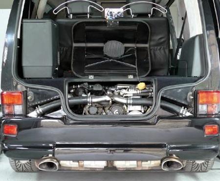 Volkswagen Transporter T5 con motor de Porsche 911 Turbo