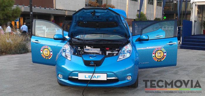 Nissan Leaf puertas abiertas