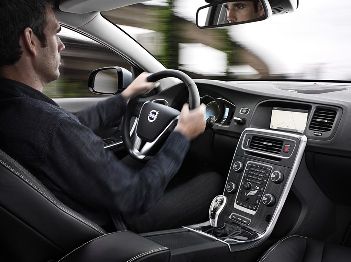 Volvo_V60H_06