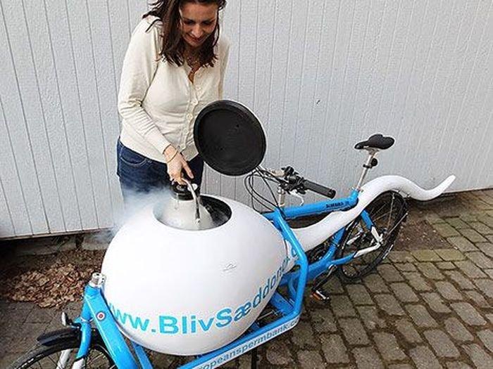 Una bicicleta para en transporte de esperma congelado