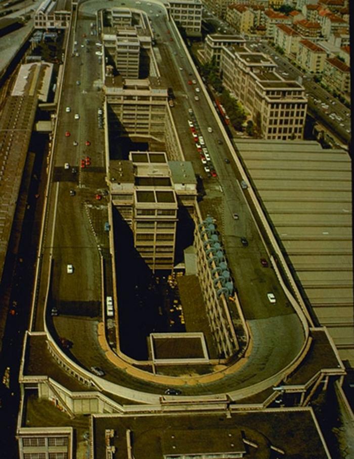 De Rascacielos Zeppelines Y Autopistas 1930 Y La Ciudad