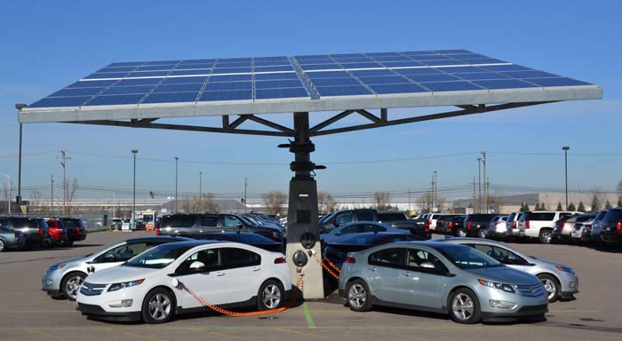 ¿Tiene sentido el vehículo eléctrico sin el empleo de energías renovables?