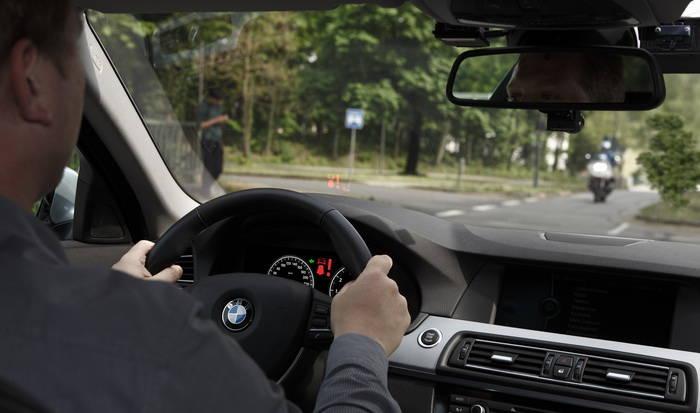 BMW Motorrad apuesta por la tecnología Car2Car