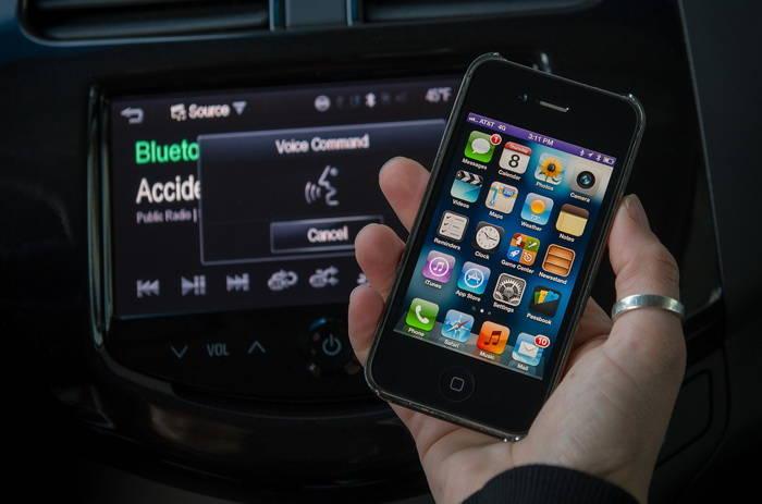 Los Chevrolet Spark y Sonic añadirán el control por voz Siri para dispositivos Apple