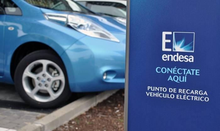 Tecmovia se reúne con Endesa para hablar sobre el vehículo eléctrico