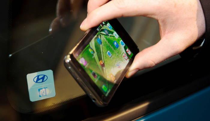 Hyundai propone usar la tecnología NFC de tu smartphone para abrir y cerrar el coche