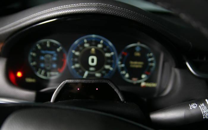 Evitar distracciones al volante mediante el uso de LEDs, la apuesta de Continental