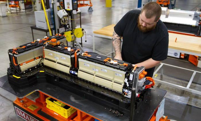 Baterías con electrolito de agua permiten hasta 446 Wh/Kg y fabricación de bajo coste