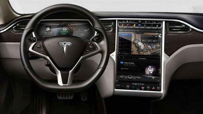 Tesla nos brinda una mirada en profundidad a la pantalla táctil de 17