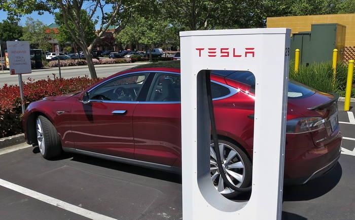 La red de supercargadores de Tesla en EE.UU. estará finalizada en menos de 2 años