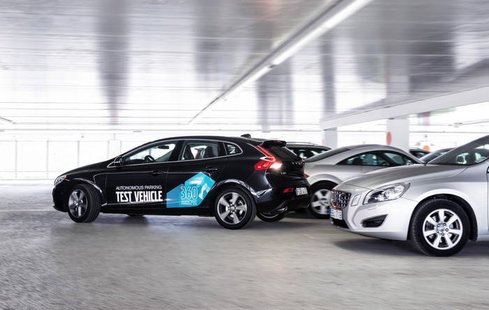 Aparcamiento autónomo Volvo, olvidándose de buscar parking [Laboratorio Tecmovia]