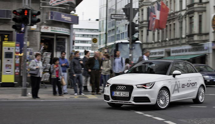 Coches que hablan con los semáforos, la apuesta de Audi en Car-to-X