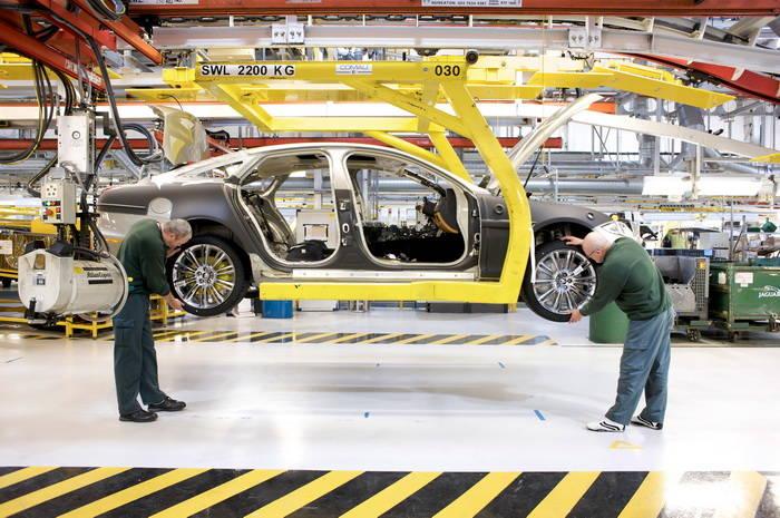 Aluminio, elemento fundamental de la futura gama Jaguar