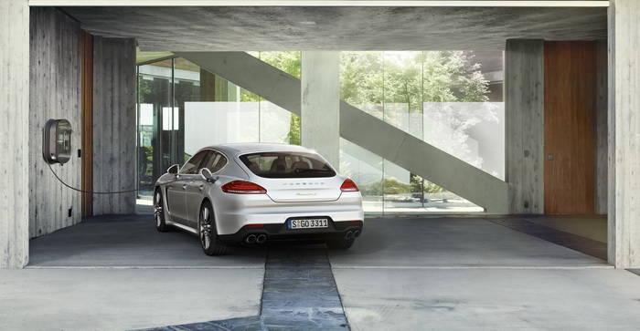 El Porsche Panamera S E-Hybrid pretende duplicar las ventas de su anterior generación