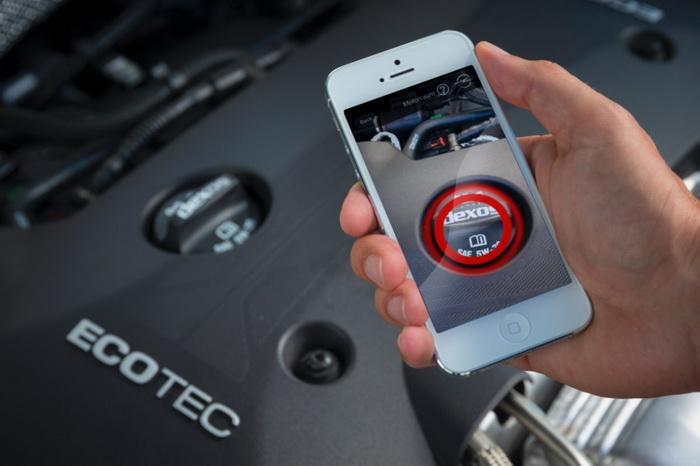 """Opel jubila el manual de usuario tradicional con la nueva aplicación """"Manual mi Opel"""""""