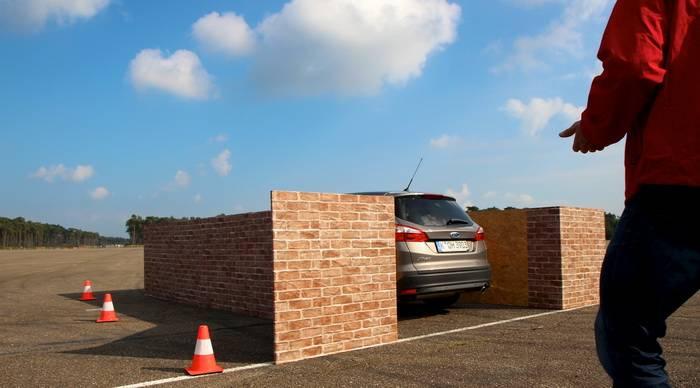 Aparcar tu coche sin estar dentro de él, la nueva propuesta de Ford